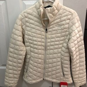 North face  stretch thermoball vintage white
